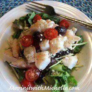 Romaine lettuce, shredded broccoli, Kalamata olives, cherry tomatoes, feta cheese and shrimp!